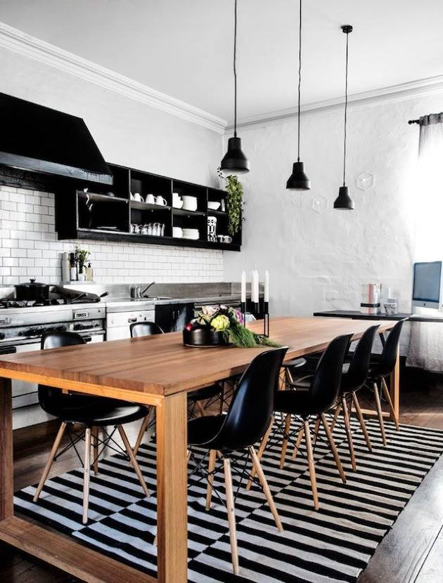 aa3f0c16c423 Ένα μοντέρνο τραπέζι με μαύρες καρέκλες