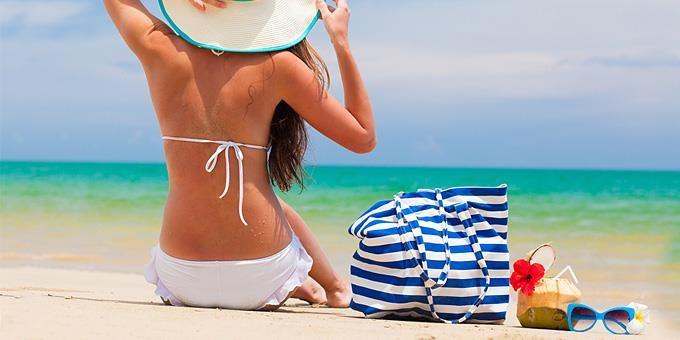8 απλά tips για να φαίνεστε πιο όμορφη στην παραλία!!!