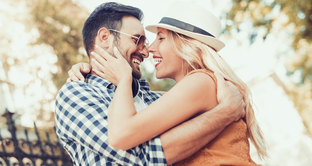 Τα μειονεκτήματα της dating με μια όμορφη γυναίκα