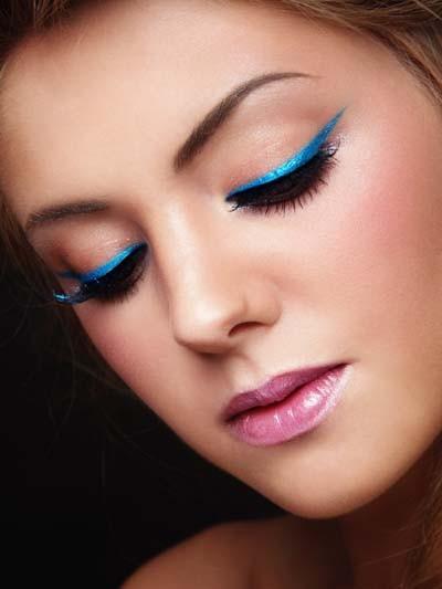 018ba7145ac6 Μπλε μακιγιάζ ματιών  Ιδέες και συμβουλές για τέλειο αποτέλεσμα ...