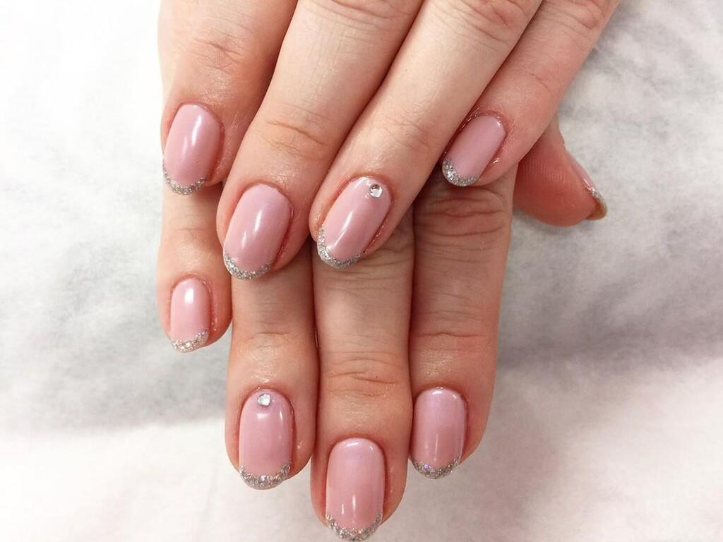 New french nails: το top κομψό μανικιoύρ