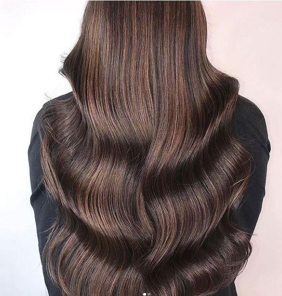 Καστανά μαλλιά: 10 υπέροχες ιδέες για μια διακριτική αλλαγή